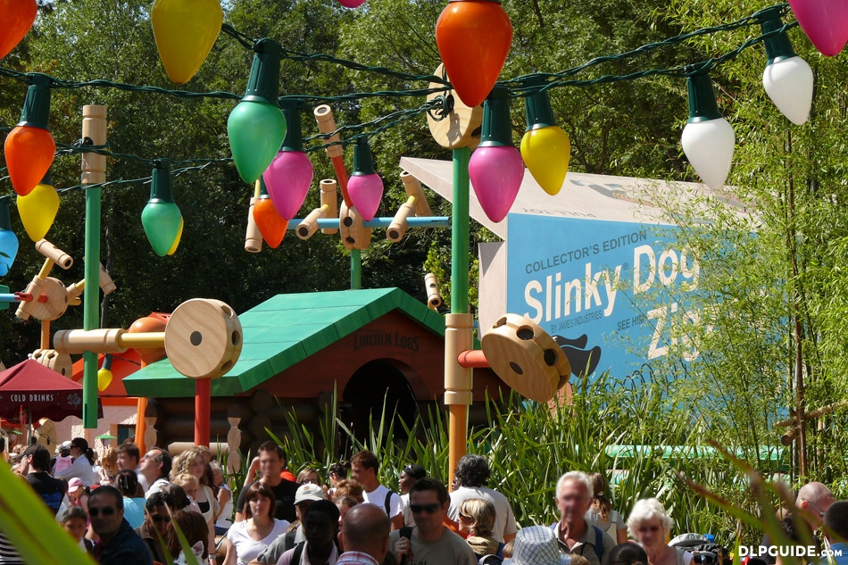 Slinky Dog Zigzag Spin In Toy Story Playland Dlp Guide