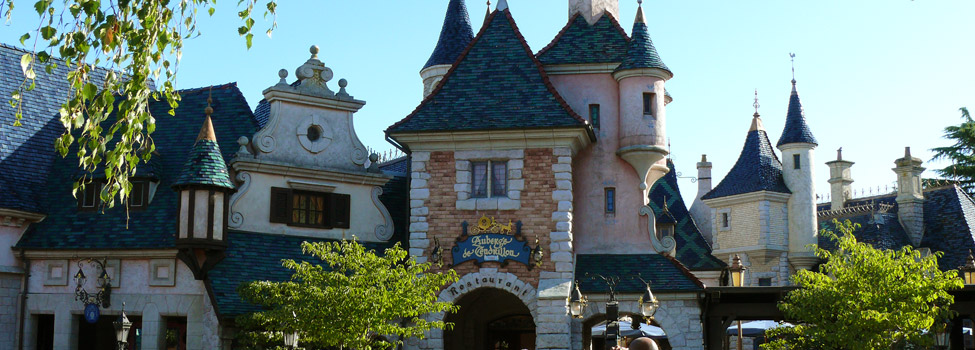 Auberge de Cendrillon. Located in Fantasyland, Disneyland Park Table Service