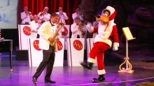 Goofy Presents The Jingle Bell Band